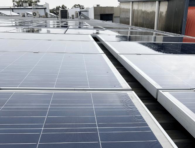 Flat solar panels in the rain